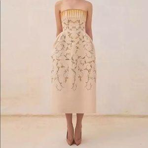 Żü Designer Botanics Runway Embroidered Midi Dress